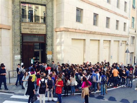 ufficio scolastico savona liceo classico savona protesta degli studenti contro le