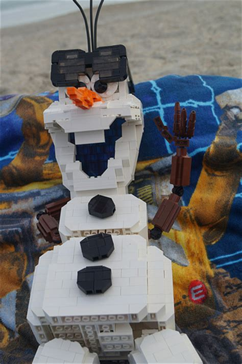 Disney Frozen Brick Minifigure Olaf frozen s olaf gets his wish the brothers brick the brothers brick