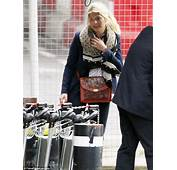 Nicole Appleton Arrives Home After A Fun Girls Holiday