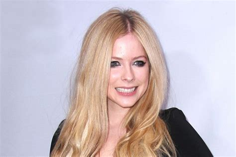 Avril Lavigne Slams by Avril Lavigne Slams Rehab Rumours As Quot Hilarious Quot After