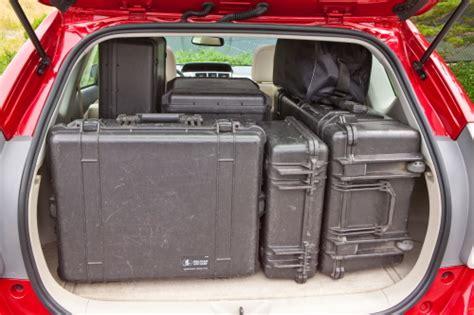 cargo room  king   toyota prius  torque news