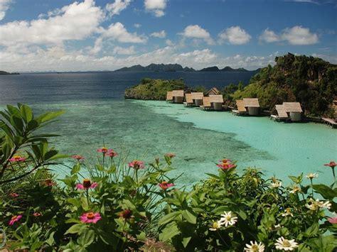 Paket Liburan Tour Bunaken Lembeh Bangka Scuba Diving misool eco resort raja at dive the centre of biodiversity