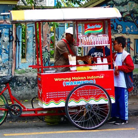 gerobak indomie keliling makanan enak