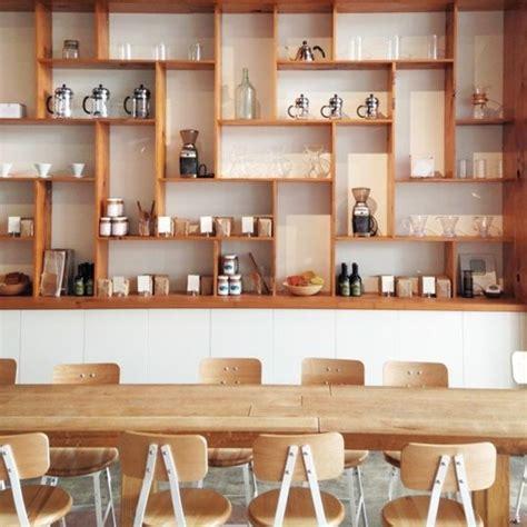offene regale küche wandfarben beige schlafzimmer