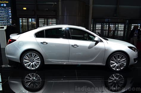 opel insignia 2015 2015 opel insignia 2 0 litre cdti side at the 2014 paris