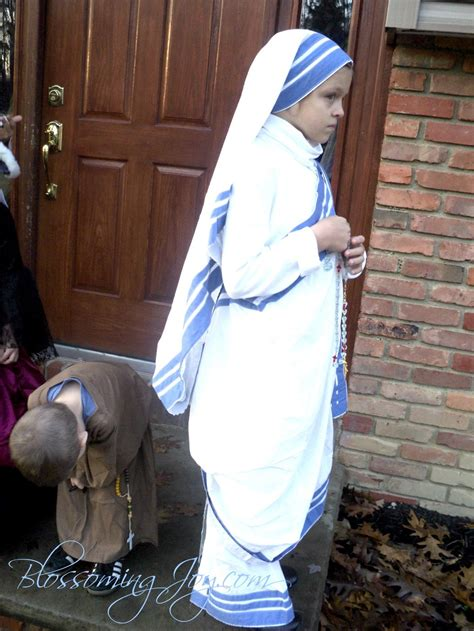 Dress Theresia all saints day costume teresa of calcutta