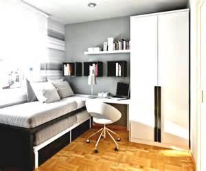 Simple Teenage Bedroom Ideas a simple teenagers bedroom