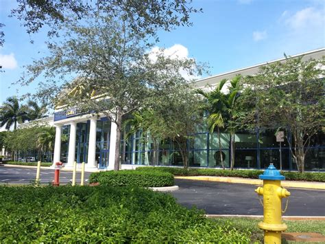 Rooms To Go Pembroke Pines by Rooms To Go Furniture Store Pembroke Pines