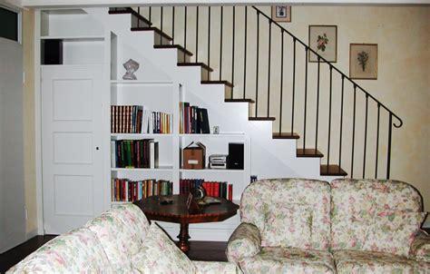 libreria sottoscala scala e libreria sottoscala legno