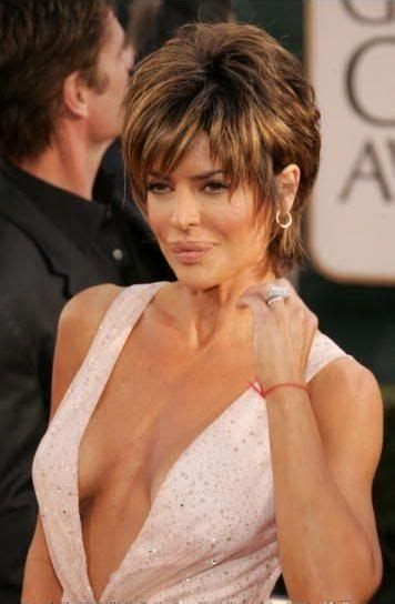 what is the texture of rinnas hair 30 spectacular lisa rinna hairstyles lisa rinna short