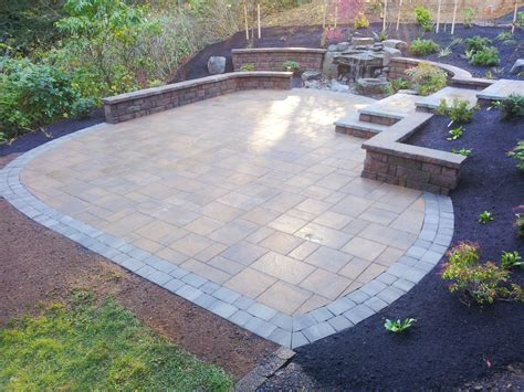 Belgard Patio Pavers Homeowner Gets The Look Of Slate Without The Cost Outdoor Living By Belgard