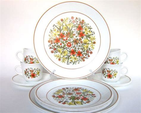 old pattern corelle dishes 16 pc vintage corelle quot indian summer quot dinnerware set for 4