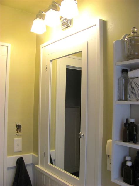 bathroom wall cabinets that mirror and lights