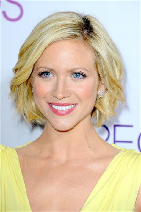chin length loose waves celebrity bob hairstyles 20 fabulous short bob haircuts