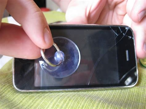 fix cracked iphone screen repair your iphone screen with replacement easy howto