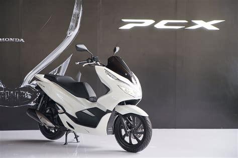 Pcx 2018 Abs Vs Cbs by Ahm Resmi Rilis New Honda Pcx Cbs Dan Abs Disk