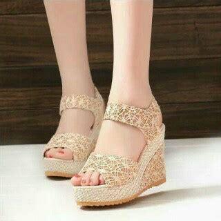 Sandal Kelom Modern Modis Dan Cantik Nyaman Dan Tidak Licin Model sepatu sandal wanita murah dan cantik bahan brukat modern