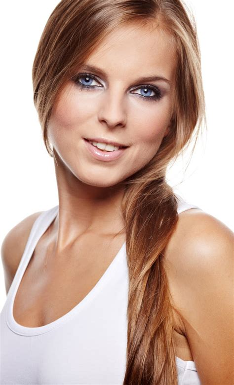 best hairstyles for square faces 50 50 top hairstyles for square faces