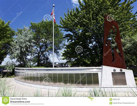 Memorial Canada Mba by The Mackenzie Papineau Memorial In Ottawa Canada