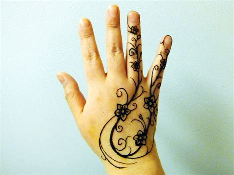 right hand tattoo designs 30 simple mehendi design for right domseksa