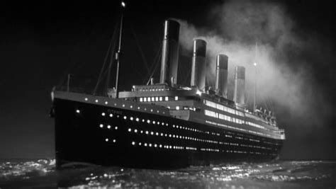 real pictures of the titanic sinking real titanic ship sinking video www pixshark com