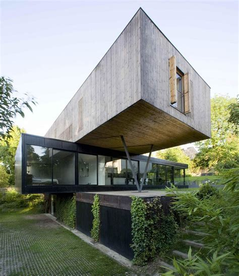 Contemporary Cantilever House Design By Paris Architects Home Design Architects