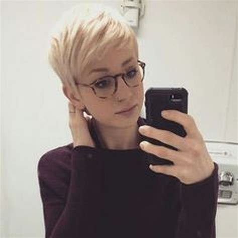 Wedding Hairstyles With Glasses by Hair Pixie Cut Hairstyle With Glasses Ideas 46
