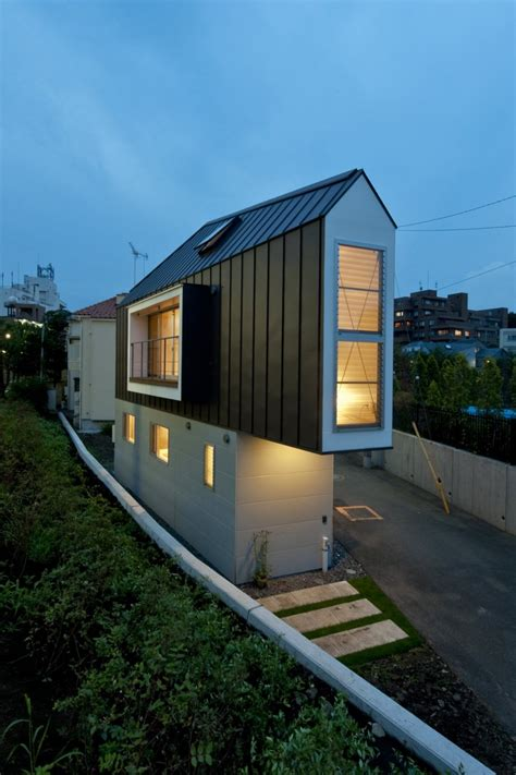 river side house 11 spectacular narrow houses and their ingenious design solutions