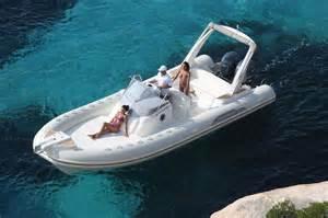 yacht jaguar type de navire bateau de plaisance location bateau 224 la rochelle aunis motonautic