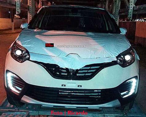 renault captur interior 2016 confira o interior do renault captur brasileiro autos