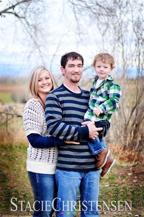 family portrait ideas poses on pinterest family family of three photo poses cute family of 3 pose