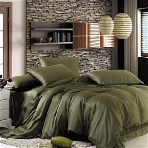 Olive Green Comforter Sets by Best 25 Olive Green Bedrooms Ideas On Olive