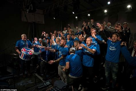 iceland world cup iceland celebrate 2018 world cup qualification with fans