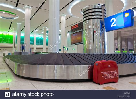 united oversized baggage fees united oversize baggage united gets tough on oversized