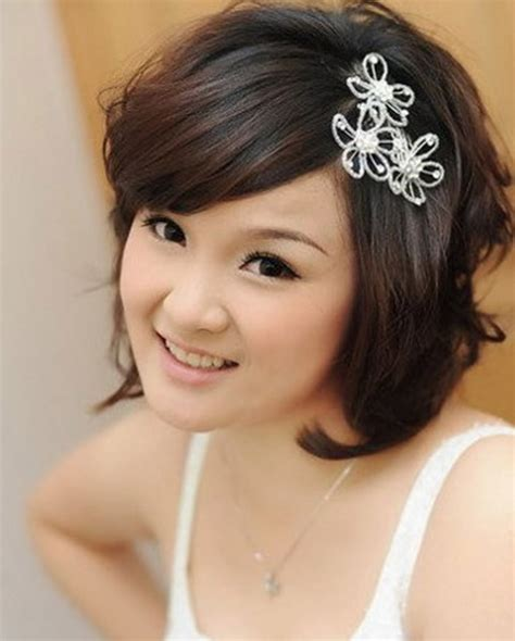 medium hair styles with barettes short hair with accessories for brides have your dream
