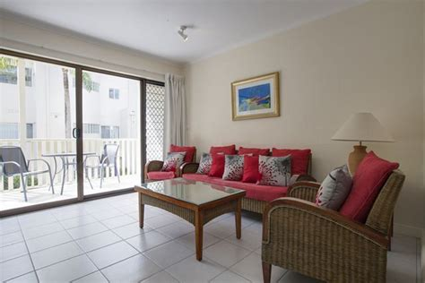 2 bedroom apartments port douglas accommodation port douglas tropical reef apartments