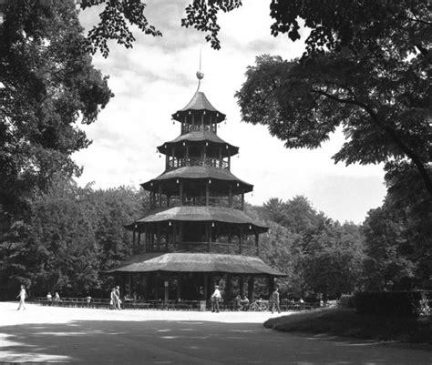 Englischer Garten München Koordinaten by M 252 Nchen Chinesischer Turm Im Englischen Garten Pagoda In