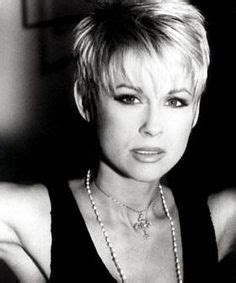 lorrie morgan hairstyles 1000 images about hairstyles on pinterest lorrie morgan