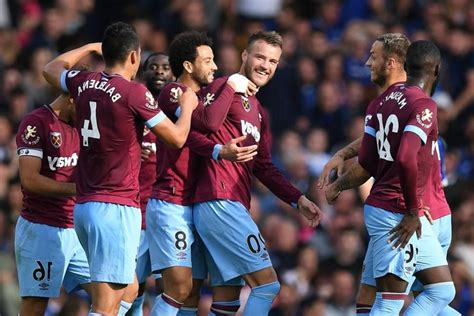 prediksi aston villa  west ham united  september