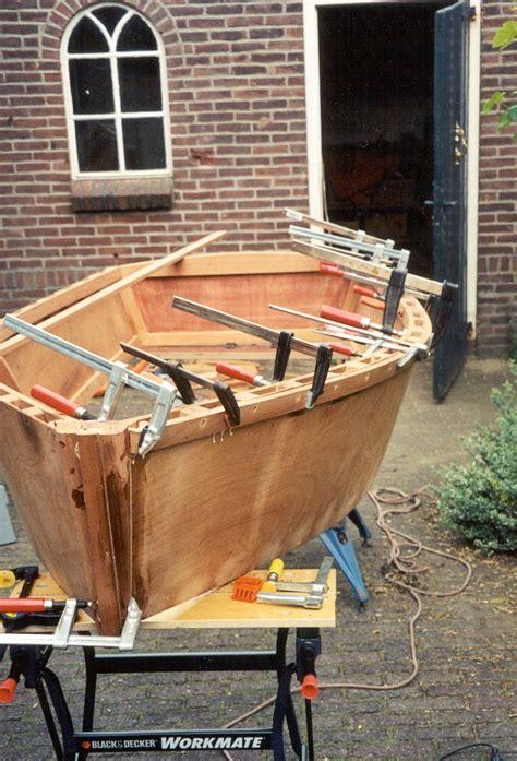 zeilboot piraatje scheepsbouw zelfbouw schip schepen boot gemaakt van ons hout