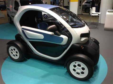 renault twizy vs smart fortwo renault twizy