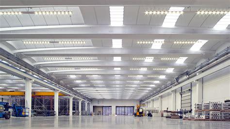 illuminazione capannoni industriali flexsolight illuminazione industriale led