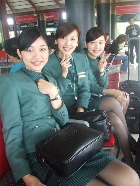 emirates flight attendants based in hong kong oppose wearing china 17 best images about stewardess past and present on pinterest