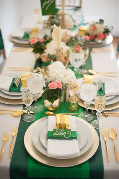 Emerald Gold Wedding Tablescapes we this! moncheribridals