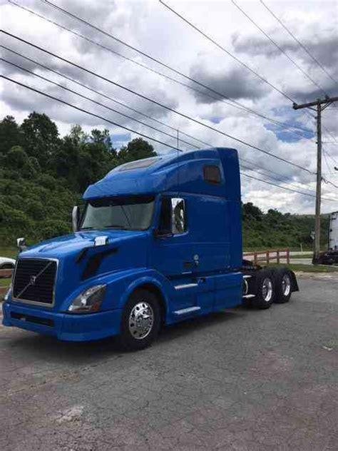 truck volvo 2013 volvo volvo 670 2013 sleeper semi trucks