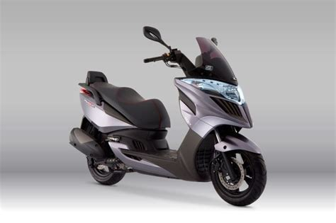 Kymco Yager Gt 300i Moving On Wheels Motorcycle Vehicles