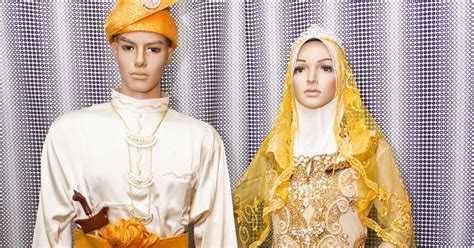 Baju Kahwin Oren sewa pakaian atau busana atau baju pengantin songket dan lace untuk perkahwinan dan majlis