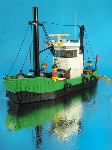 lego fishing boat sinking a better lego boat the brothers brick the brothers brick