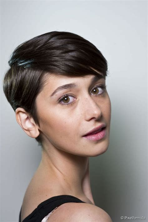 side crop haircut side parted pixie cut yes or no