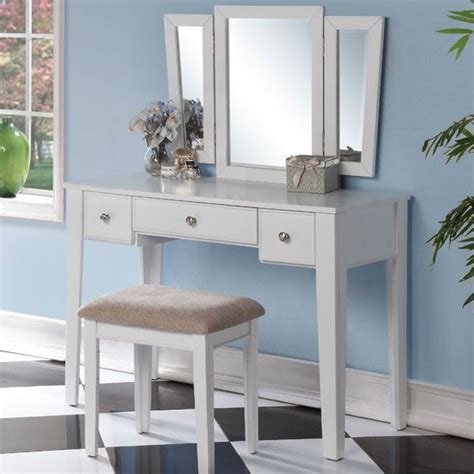 Bedroom Vanity Definition 1000 Ideas About Mirrored Bedroom Furniture On